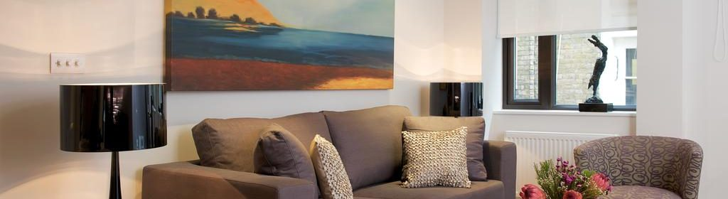 Luxury Serviced Accommodation London  Stylish Short Let Apartments   Free Wifi   Air Con   Lift  0208 6913920  Urban Stay