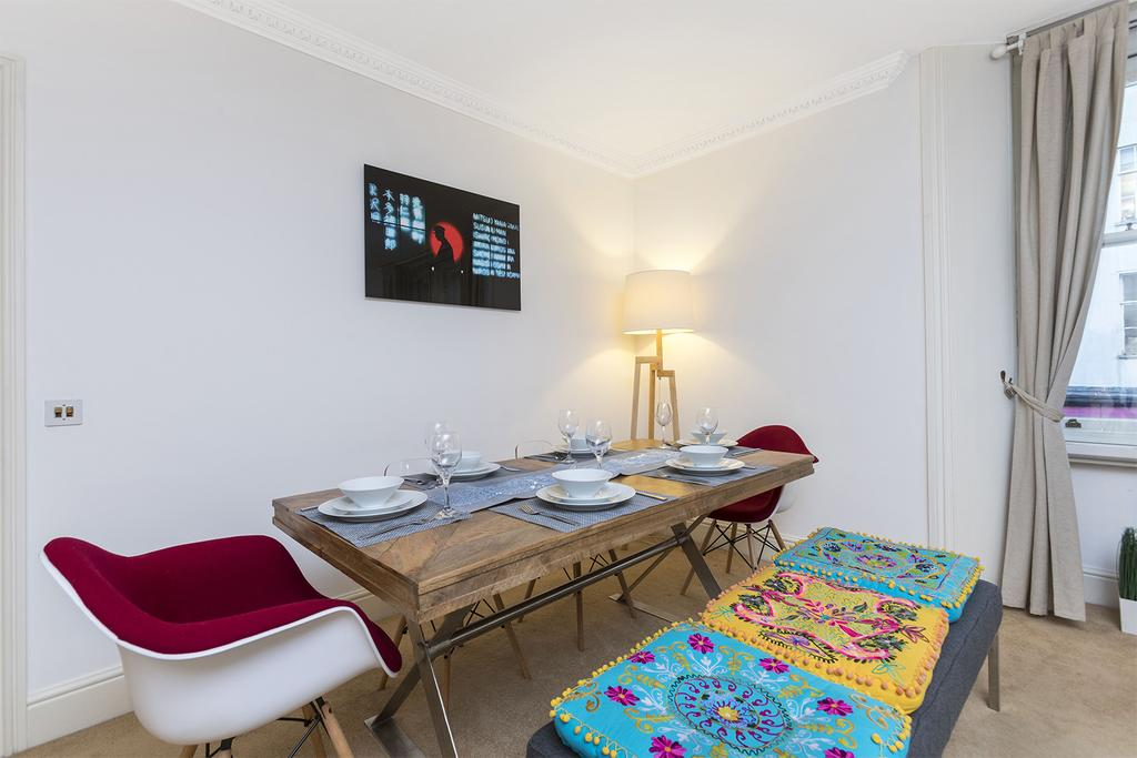 Looking-for-afford-accommodation-in-Central-London?-why-not-book-our-Baker-Street-Shortlets-Apartments-today.-Call-now-for-great-rates.