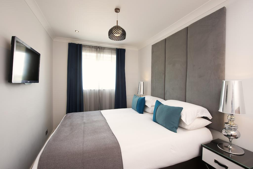 Luxury-Serviced-Accommodation-Canary-Wharf,-London-available-now!-Book-Cheap-Boardwalk-place-Apartments-with-free-Wifi,-Air-Con-&-24h-reception!-Book-Now!