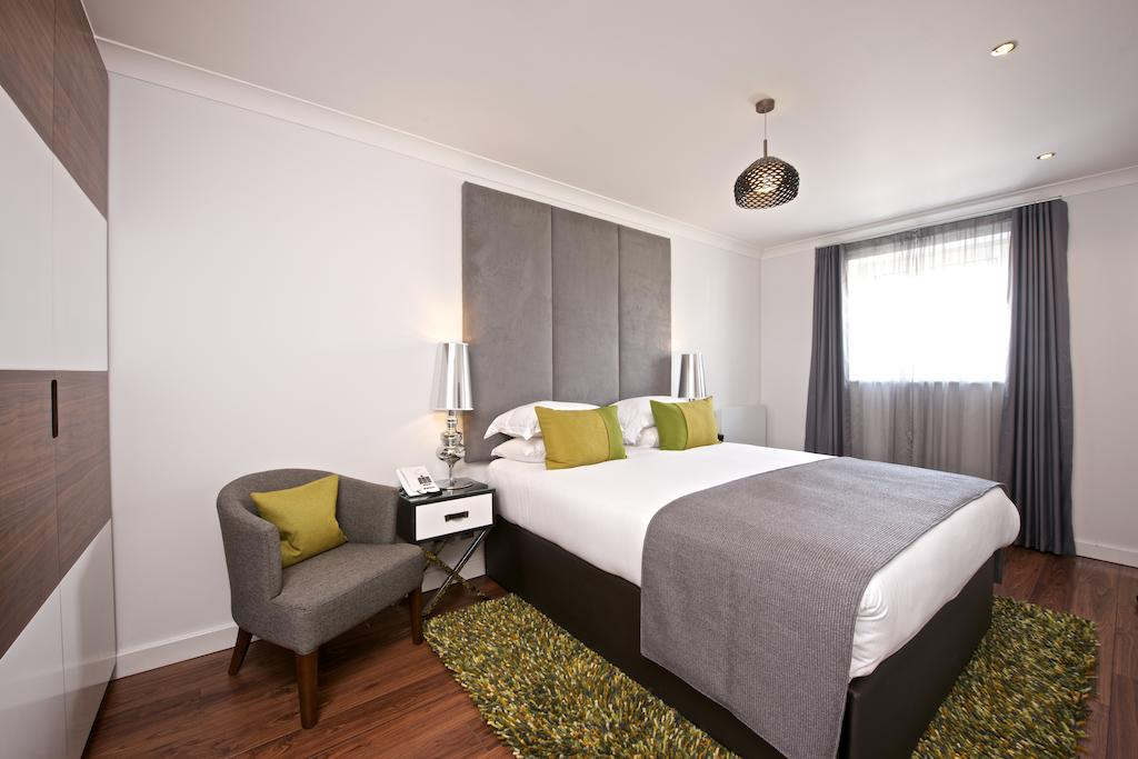 Looking-to-book-luxury-accommodation-in-Canary-Wharf?-Why-not-book-our-Canary-Wharf-Luxury-Apartments-at-Broadwalk-Place-today-for-great-rates.