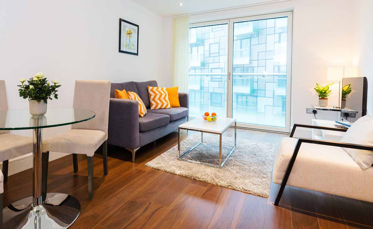 Looking-for-affordable-accommodation-in-Canary-Wharf?-why-not-book-our-Canary-Wharf-Corporate-Apartments-at-Lincoln-Plaza.-Call-today-for-great-rates.