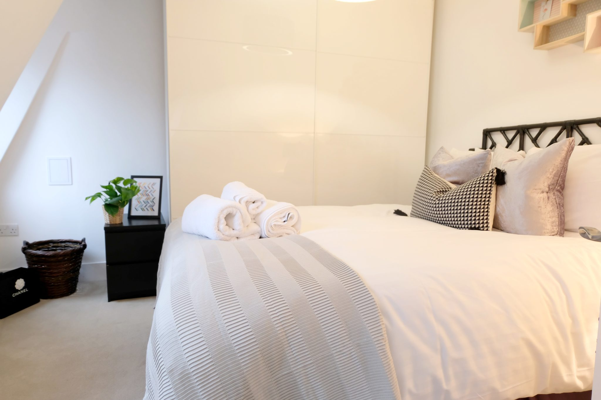 Luxury-Townhousescentral-London-Oxford-Street-Mansions-Short-Let-Serviced-Accommodation-Tottenham-Court-Road-Urban-Stay-2