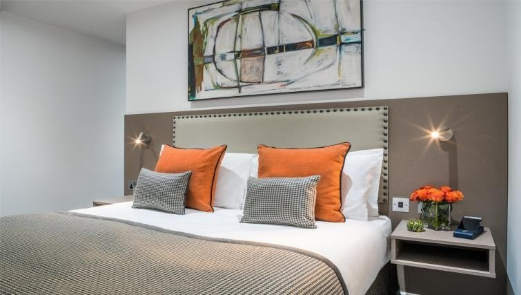 Looking-for-affordable-accommodation-in-Holborn?-why-not-book-our-luxury-apartments-at-Chancery-Lane-Aparthotels-London.-book-today-for-great-rates.