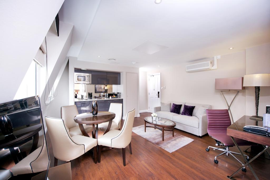 Serviced-Accommodation-South-Kensington-|-5-star-short-Let-Apartments-|-Air-Con|-24h-reception-|-Fully-equipped-kitchen