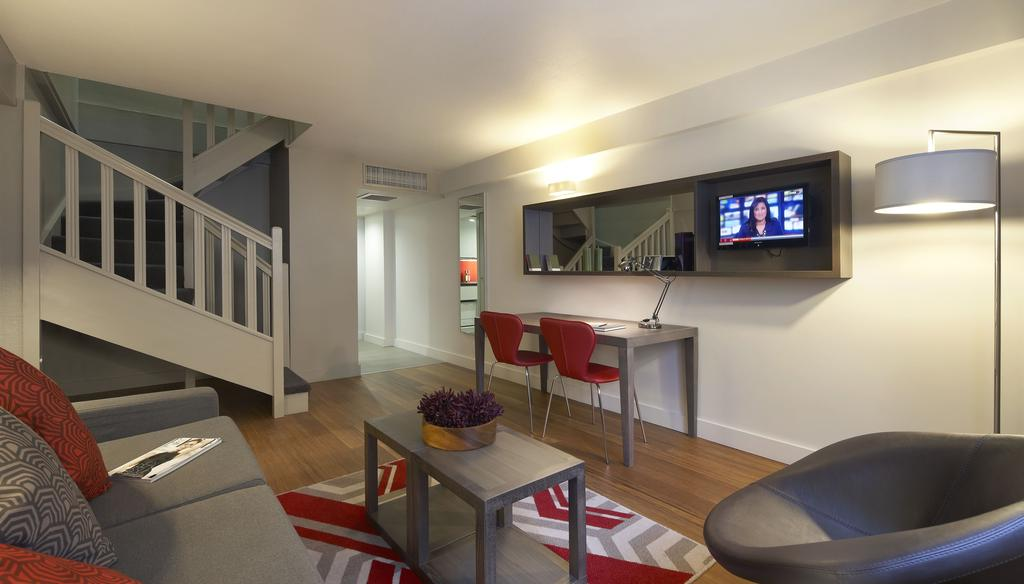Looking-for-accommodation-in-Trafalgar-Square?-Charing-Cross-or-Embankment?-book-Trafalgar-Square-Apartments-today-with-Urban-Stay-for-Great-Rates