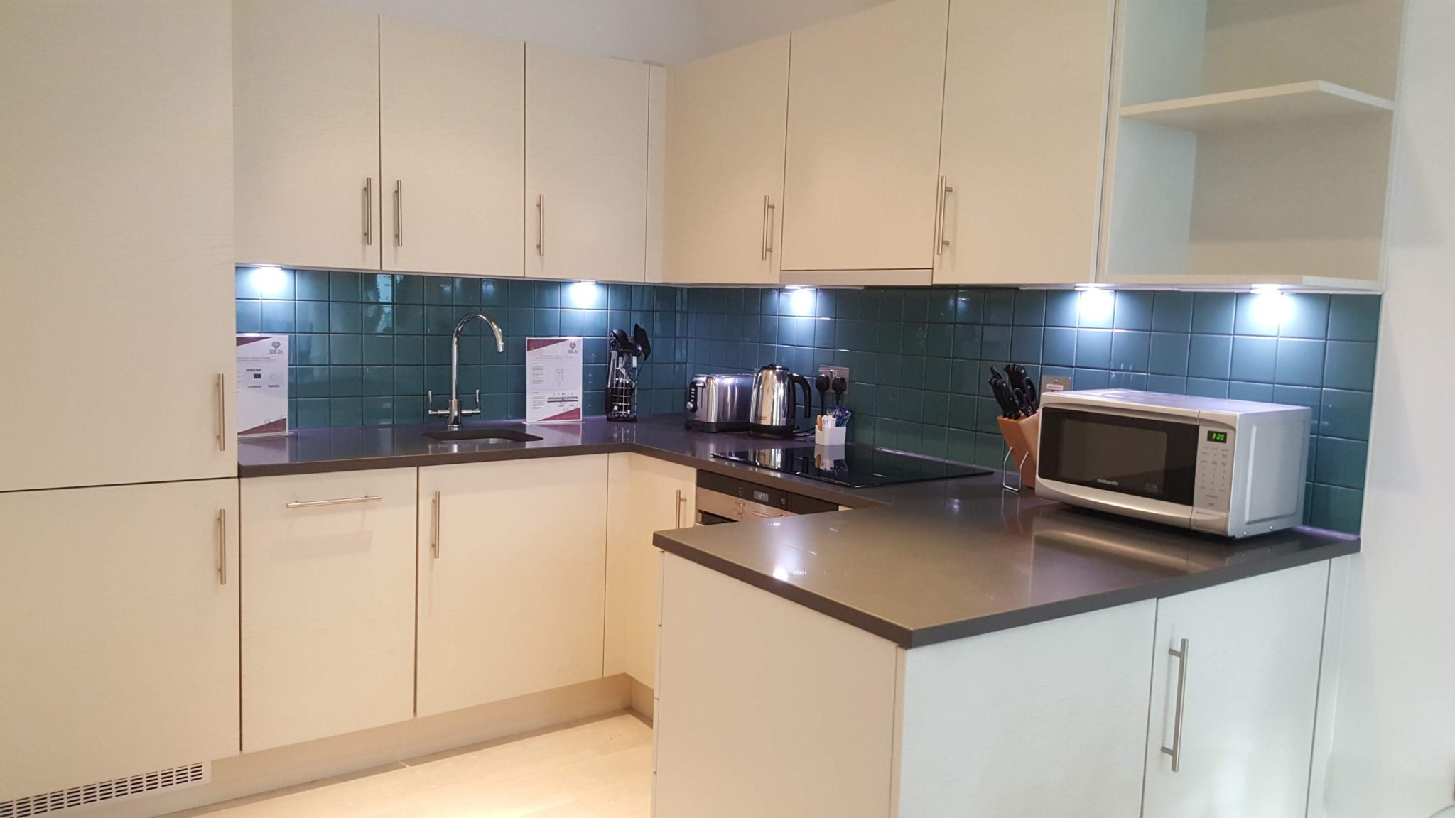 Corporate-Accommodation-London-|-Cheap-St-Pauls-Executive-Apartments-|-Free-Wi-Fi|-Fully-Equipped-Kitchen|-Lift-|0208-6913920|-Urban-Stay