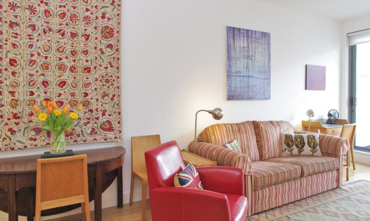 Looking-for-affordable-accommodation-within-the-City-of-London?-why-not-book-our-lovely-Clerkenwell-City-Apartment-at-Bakers-Row.-Call-today-for-great-rates
