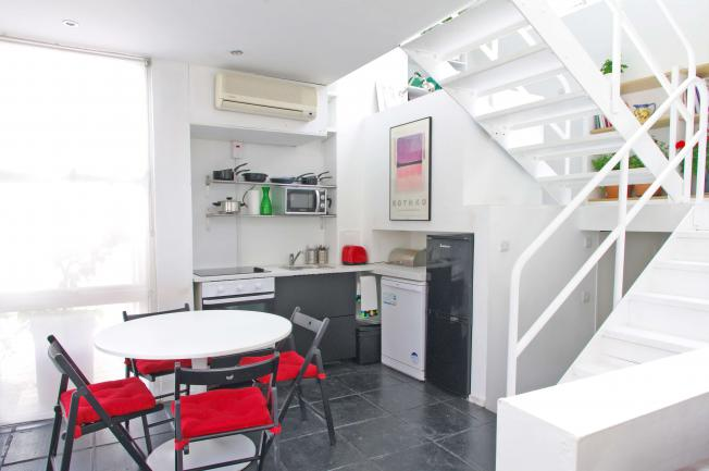 Looking-for-affordable-accommodation-in-Camden?-why-not-book-our-Camden-Serviced-Apartment-on-Mornington-Street.-Call-today-for-great-rates.