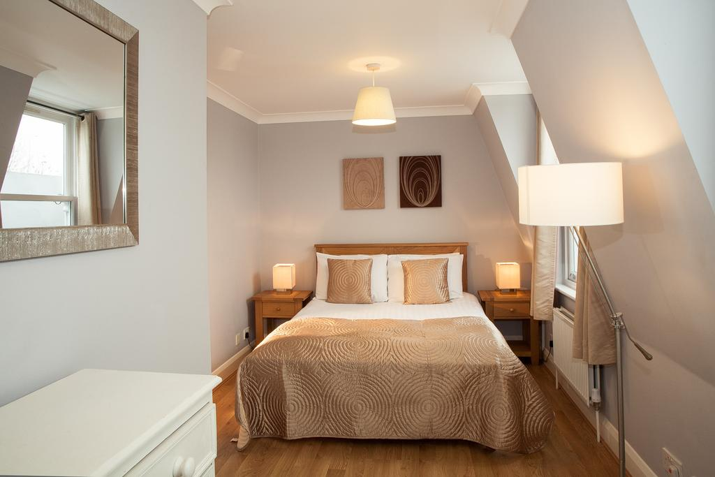 Looking-for-affordable-apartments-in-Hammersmith-or-Fultham?-why-not-book-our-Hammersmith-Serviced-Apartments-at?-call-today-for-great-rates.