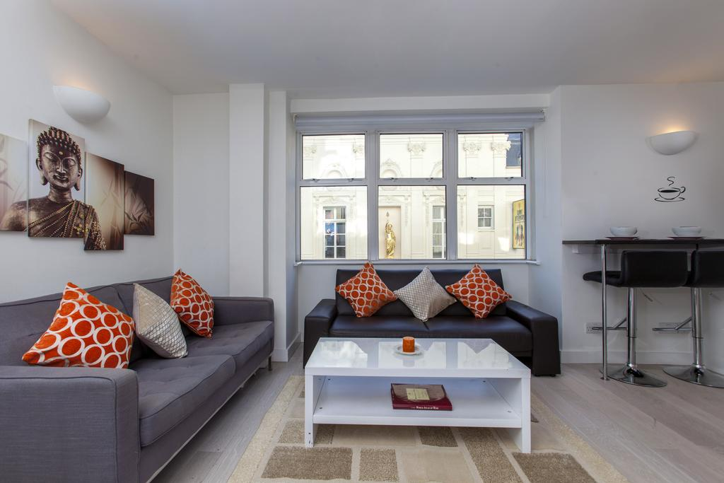 Looking-for-accommodation-in-West-End?-we-have-modern-apartments-available-at-our-Piccadilly-Circus-Apartments-Panton-Street.-Call-us-today-for-great-rates.