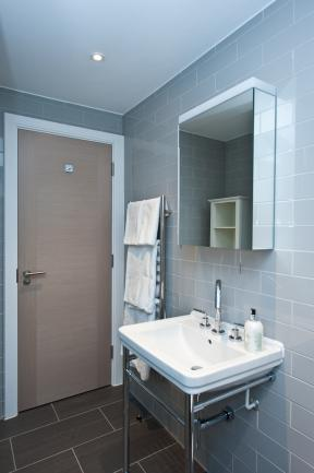 Looking-for-affordable-accommodation-near-Liverpool-Street-or-Aldgate?-why-not-book-Spitalfields-Serviced-Apartment?-call-Urban-Stay-today-for-great-rates.