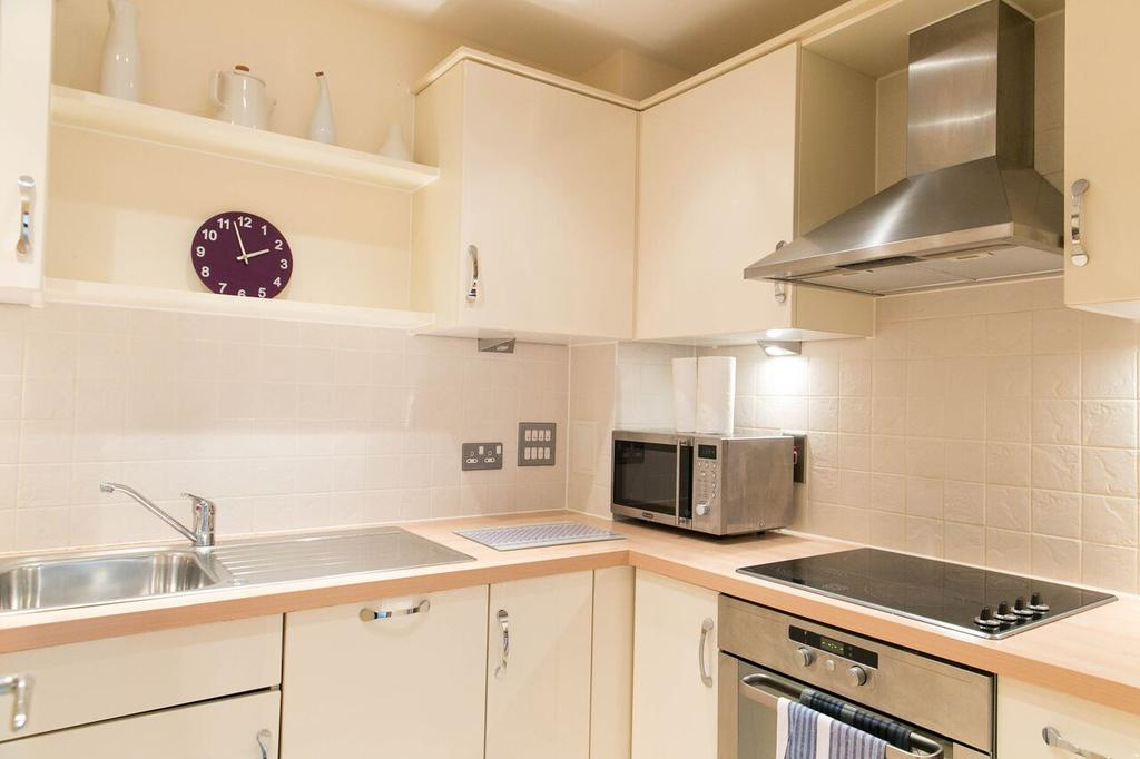 Serviced-Apartments-Woking-available-now!-Book-Surrey-Short-Lets-at-The-Centrium,-with-Free-WiFi,-Weekly-Housekeeping-&-A-Private-Balcony!-Call:0208-6913920