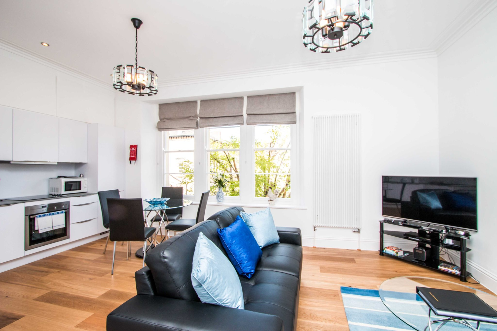 Serviced-Accommodation-Bristol-|Short-Let-Apartments|-Free-Wifi-|-Fully-equipped-Kitchen-&-Free-parking|-Urban-Stay