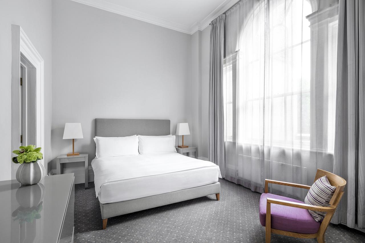 Luxury-Accommodation-Mayfair-5-Star-Serviced-Apartments-Near-Buckingham-Palace,-Hyde-Park,-Big-Ben,-And-Harrods!-Urban-Stay-15