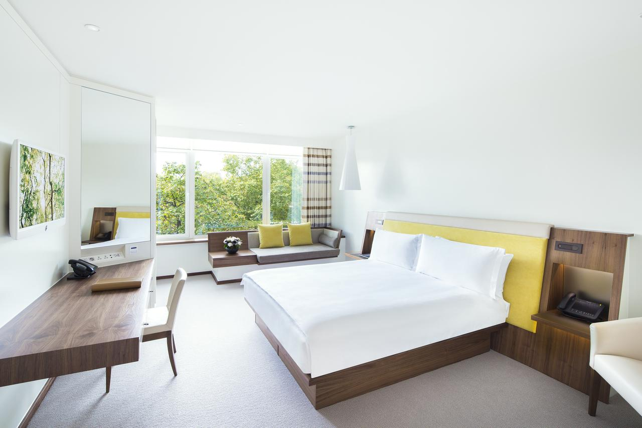 Luxury-Accommodation-Mayfair-5-Star-Serviced-Apartments-Near-Buckingham-Palace,-Hyde-Park,-Big-Ben,-And-Harrods!-Urban-Stay-6