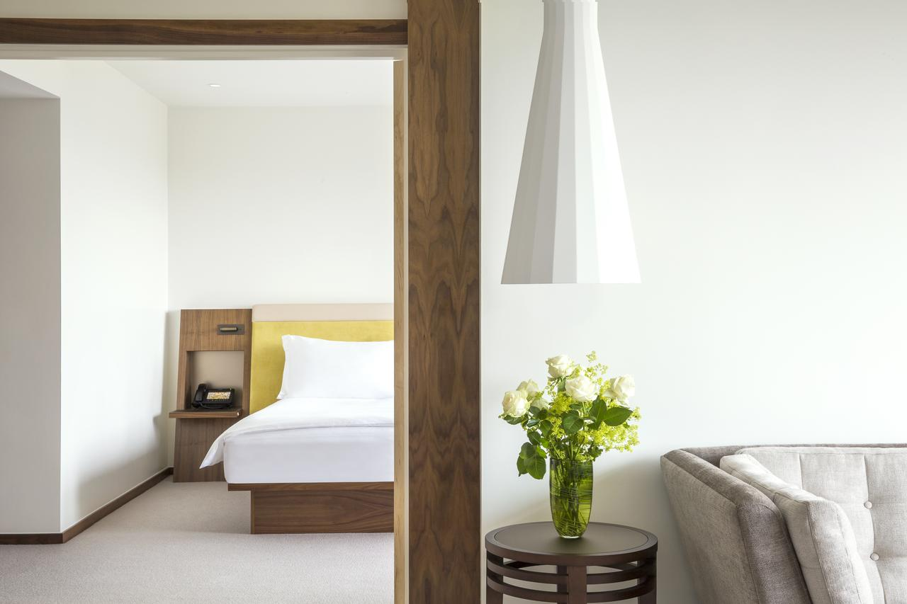 Luxury-Accommodation-Mayfair-5-Star-Serviced-Apartments-Near-Buckingham-Palace,-Hyde-Park,-Big-Ben,-And-Harrods!-Urban-Stay
