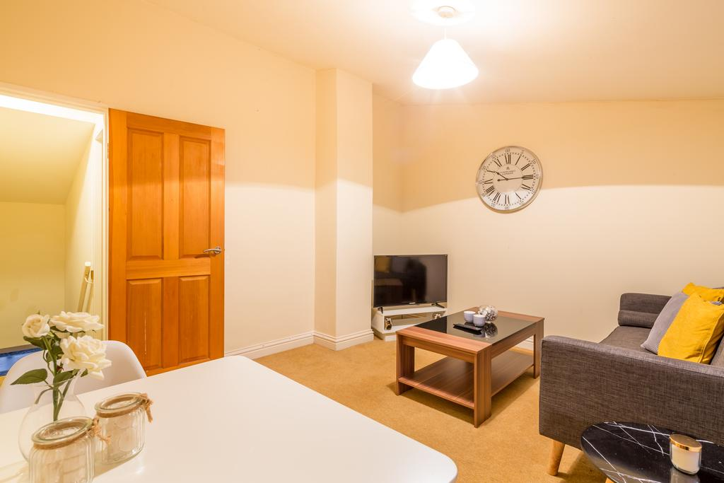 Stevenage-Serviced-Apartments-Hertfordshire-available-now!-Book-Short-Let-Accommodation-in-Colestrete-House-today-for-low-cost!-Direct-Business-Rates!-Urban-Stay