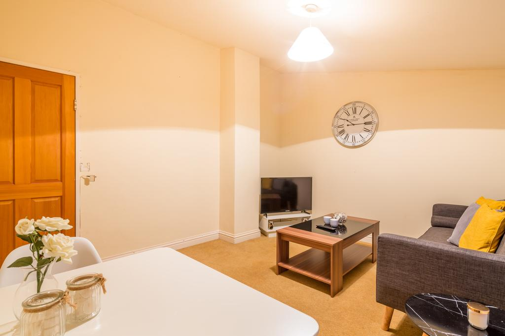 Looking-for-a-cosy-apartment-in-Stevenage?-why-not-book-our-Stevenage-Serviced-Apartments-at-Colestrete-House.-Call-Urban-Stay-Apartments-for-great-rates.