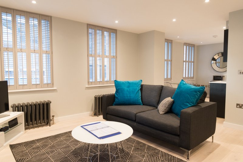Book-Serviced-Accommodation-Covent-Garden-in-Central-London-now!-Short-Let-Apartments-near-The-West-End,-River-Thames,-Soho!!-Low-Rates---5*-Service!-Urban-Stay