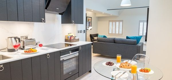 Book Serviced Accommodation Covent Garden in Central London now! Short Let Apartments near The West End, River Thames, Soho!! Low Rates - 5* Service! Urban Stay