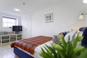 Looking for affordable accommodation in Kingston or Hampton Court? why not book our lovely Hampton Court Apartments. Call today for great rates.