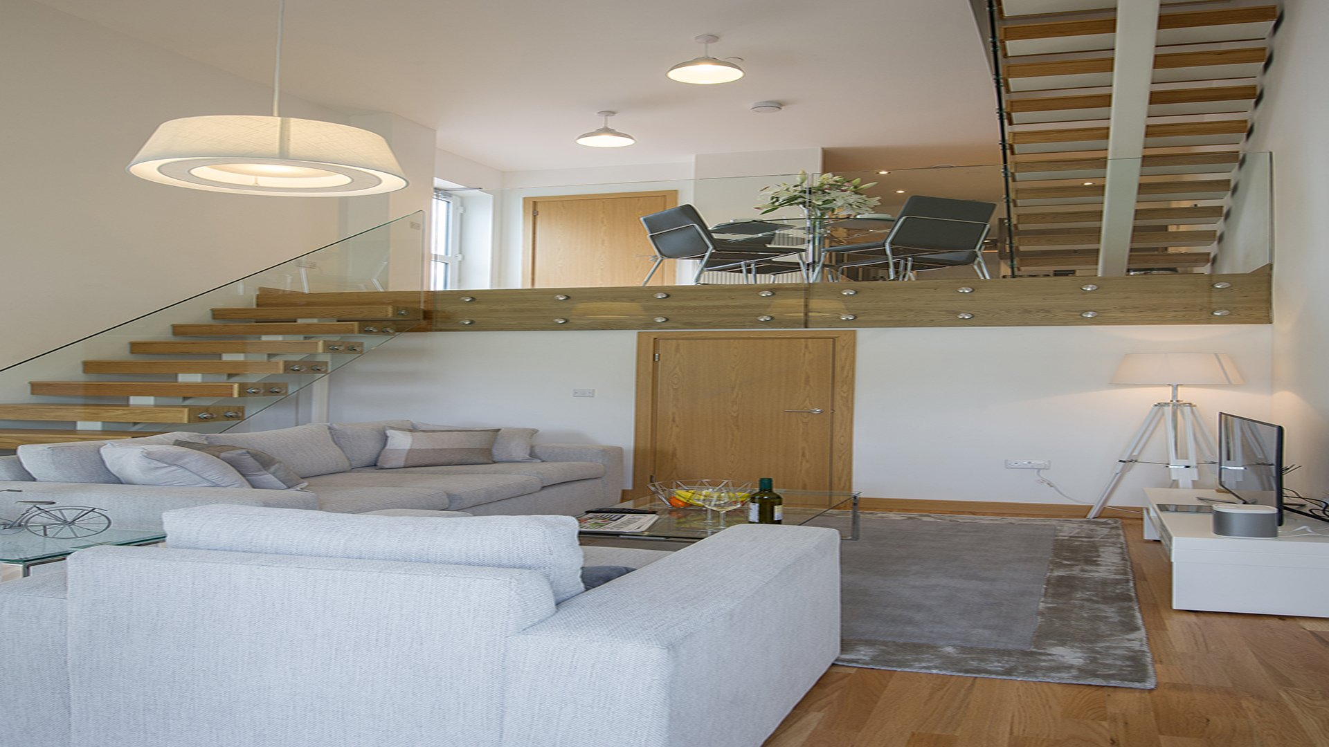 Cambridge-Short-Let-Apartments-avilable-Now!!-Book-Corporate-Serviced-Accommodation-in-Cambridge-today!-Free-Cleaning,-Wifi-&-Netflix!!-Pet-Friendly-|-Urban-Stay