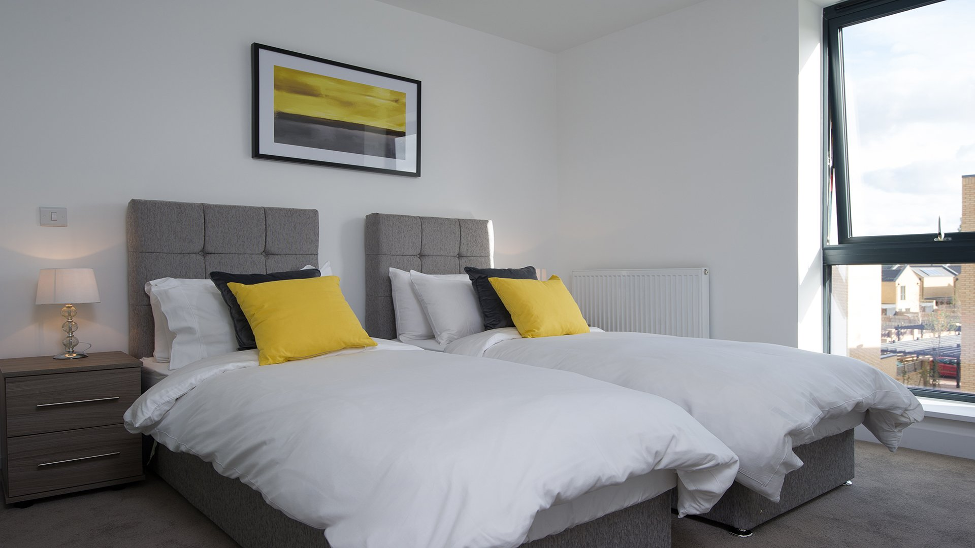Serviced-Apartments-Cambridge-avilable-for-Short-Lets-Now!!-Book-Corporate-Accommodation-in-Cambridge-Trumpington-today!-Free-Cleaning,-Wifi-&-Netflix!!