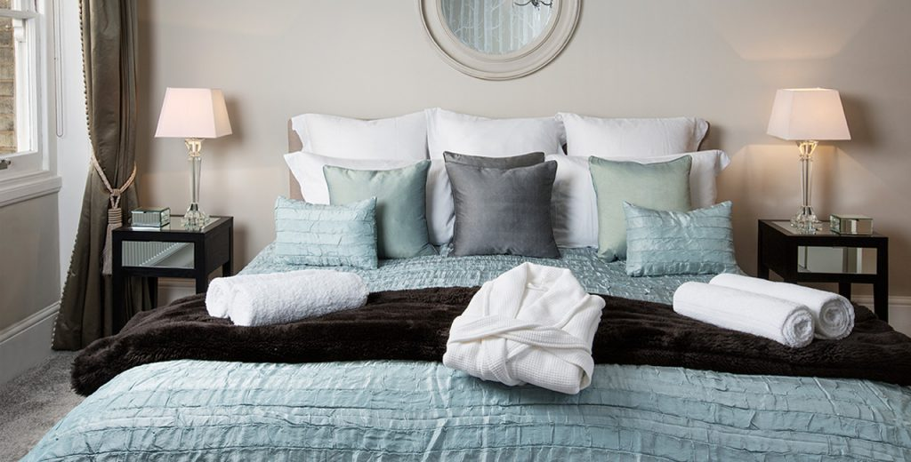 Looking-for-cosy-apartments-in-Richmond?-why-not-book-our-lovely-Richmond-Luxury-Apartments-at-St-Margrets?-call-Urban-Stay-today-for-great-rates.