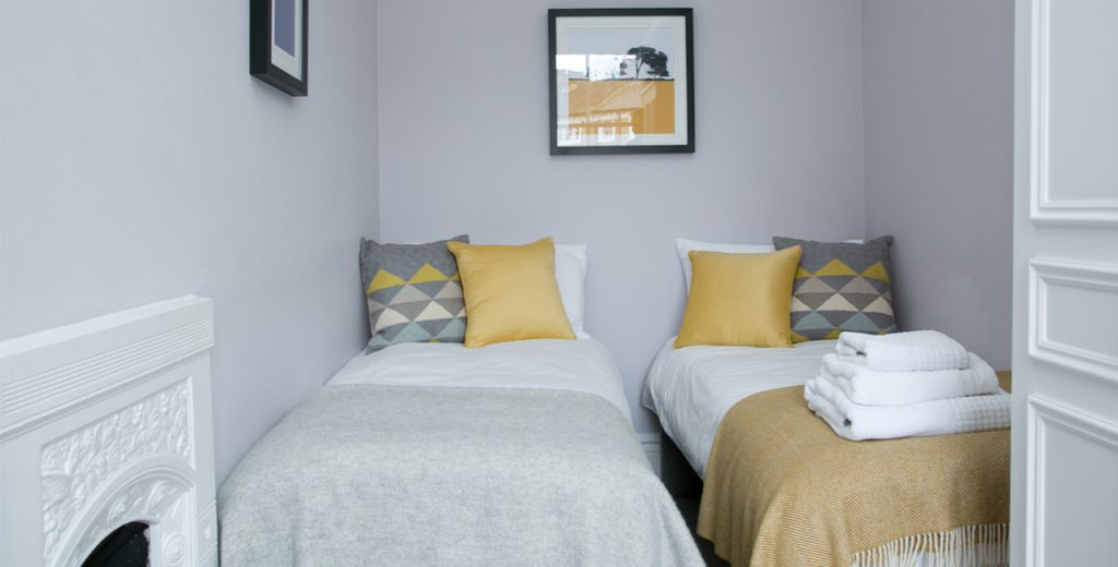 W-22-The-Crescent-Apartment-Guest-Bedroom-20-The-Barons-Luxury-Serviced-Apartments-Richmond-Twickenham-South-West-London-Tw1-1024x520