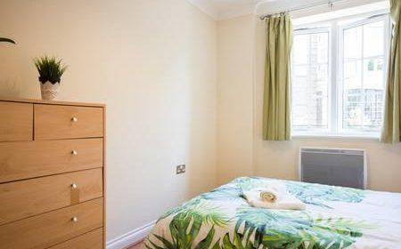 Reading Serviced Accommodation ,UK - Riverside House Apartments