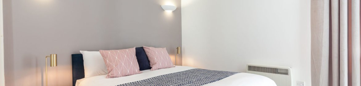 Sheffield Serviced Apartments - The Point Accommodation | Stylish Short Let Apartments | Free Wifi & Fully Equipped Kitchen|0208 6913920| Urban Stay