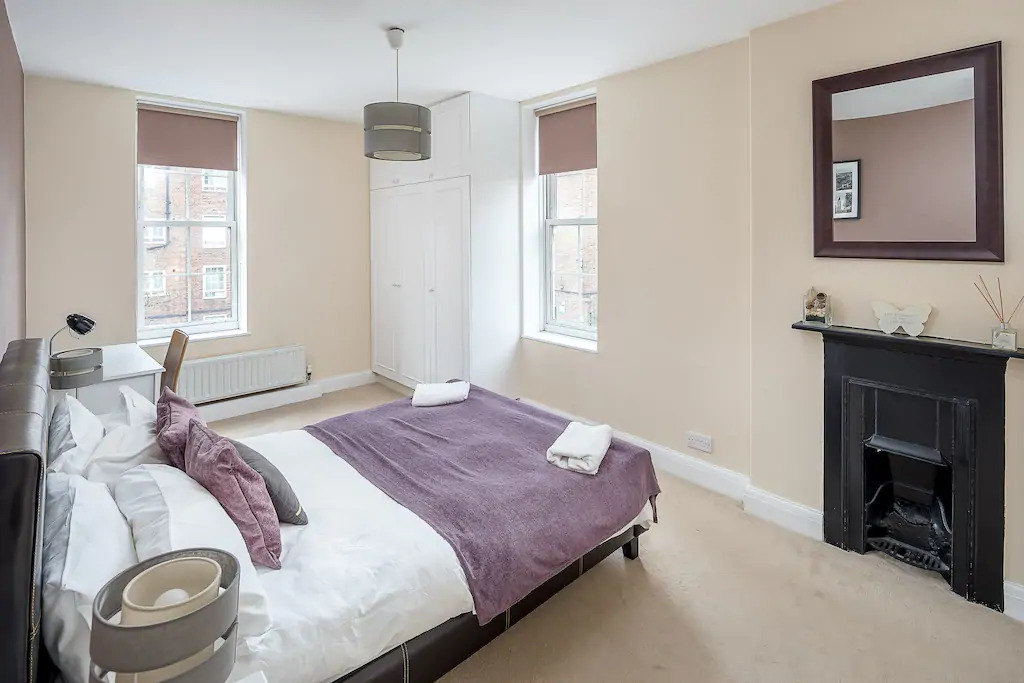 Book-Serviced-Accommodation-Southwark-in-Central-London!-Short-Let-Apartments-near-London-Bridge-with-Free-Wifi-&-Fully-equipped-Kitchen!-02086913920