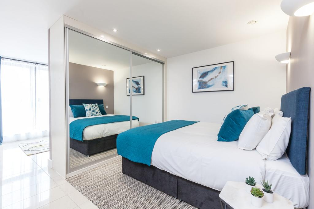 Sheffield-Serviced-Apartments---The-Point-Accommodation-|-Stylish-Short-Let-Apartments-|-Free-Wifi-&-Fully-Equipped-Kitchen|0208-6913920|-Urban-Stay