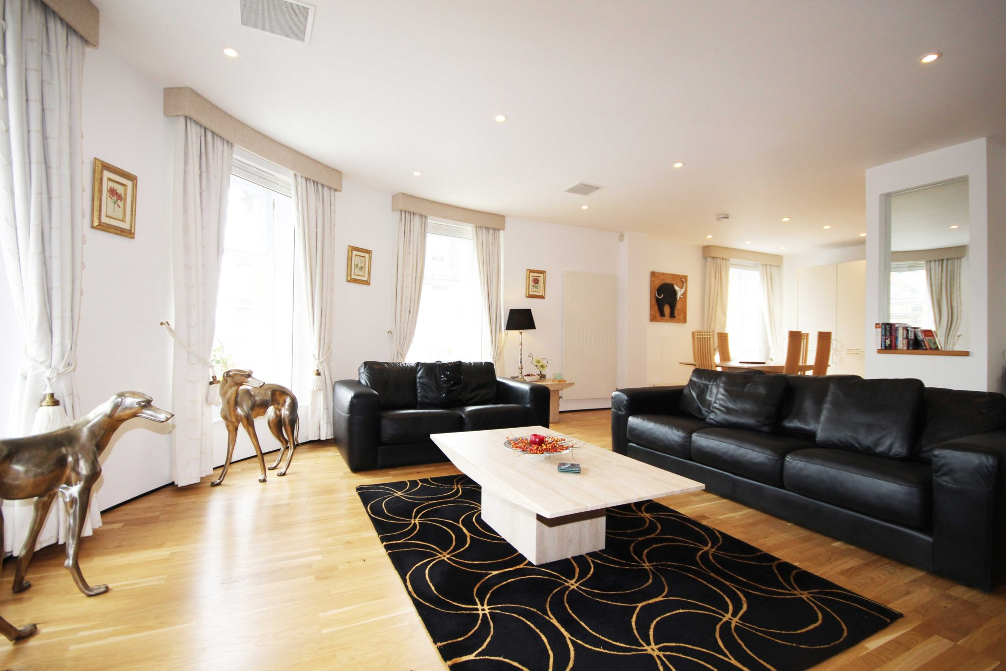 Newcastle-Short-Let-Apartments-UK-available-Now!-Book-Corporate-Serviced-Accommodation-in-North-East-England-today!-Parking,Wifi,-5*-Service,-All-bills-incl