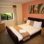 Holiday Accommodation Newcastle UK available Now! Book Serviced Apartments in Gosforth Newcastle near Golf Clubs & Shops! Book now - Cheaper than a Hotel! Urban Stay