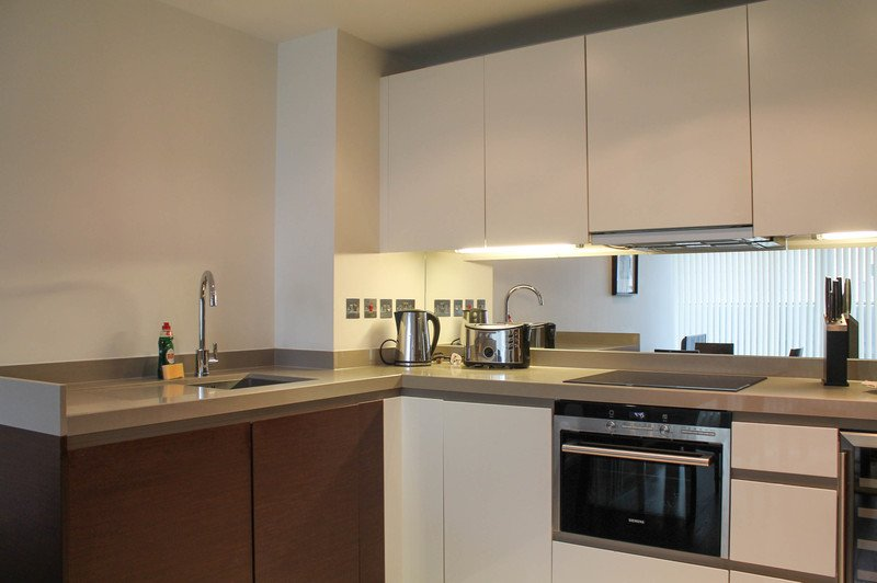 Looking-for-affordable-accommodation-in-Canary-Wharf.-Why-not-book-our-lovely-Canary-Wharf-Serviced-Apartments.-Call-Urban-Stay-today-for-great-rates.