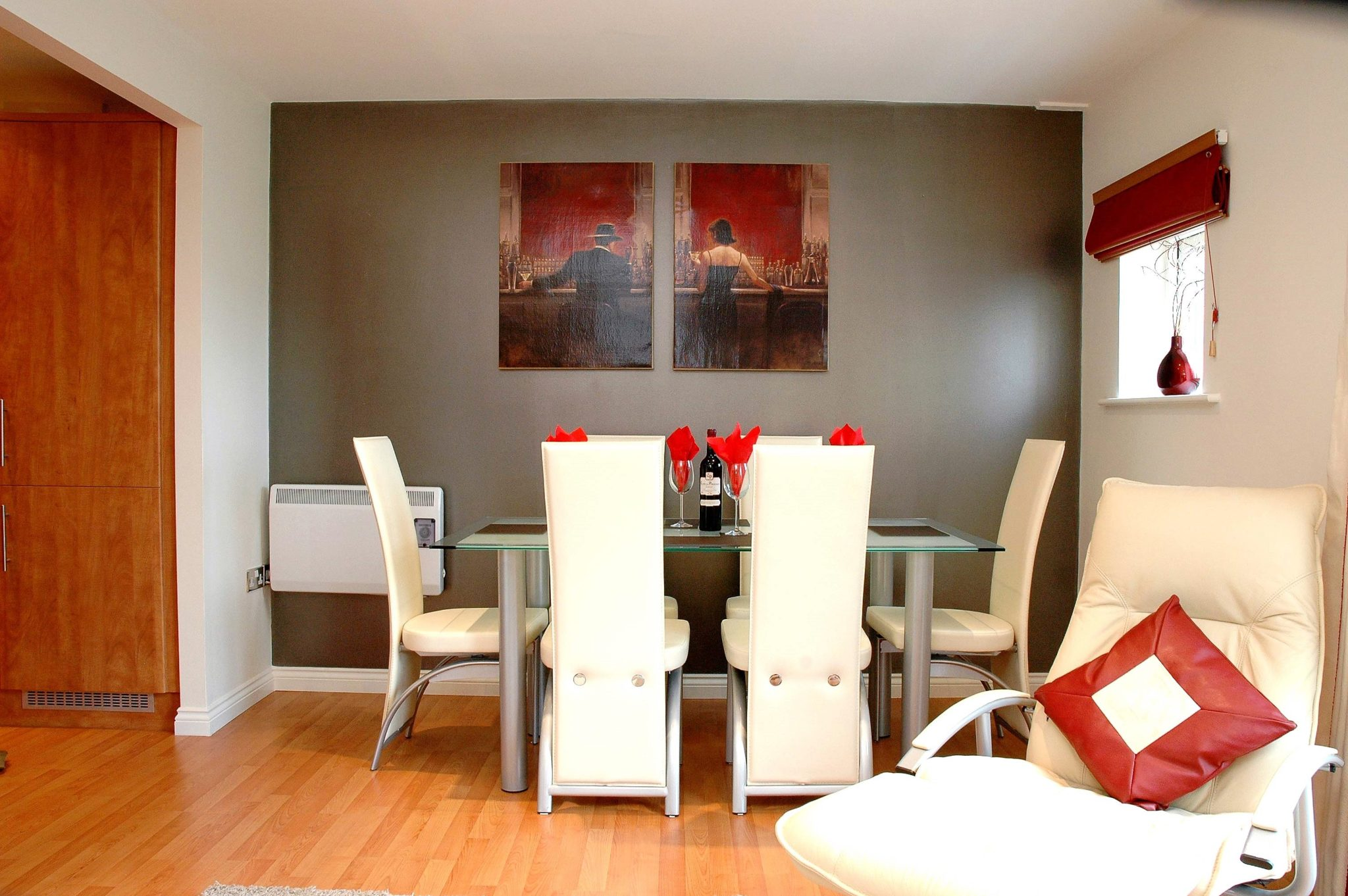 Book-Newcastle-Serviced-Accommodation-today-at-Low-Cost!-Curzon-Place-Apartments-offer-modern-Short-Lets-in-North-East-England!-Free-WIFI-&-Parking!