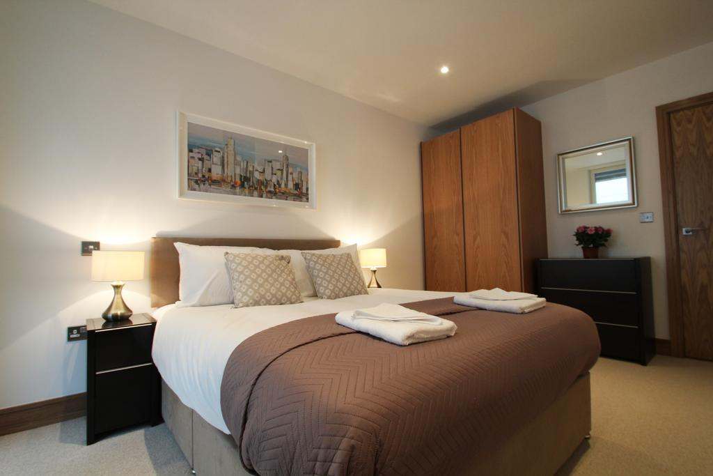 Looking-for-affordable-apartments-in-Shoreditch?-why-not-book-our-Shoreditch-Corporate-Accommodation-at-Sclater-Street.-Call-today-for-great-rates.