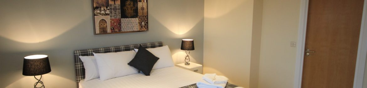 Book Newcastle Serviced Accommodation today at Low Cost! Curzon Place Apartments offer modern Short Lets in North East England! Free WIFI & Parking! Urban Stay