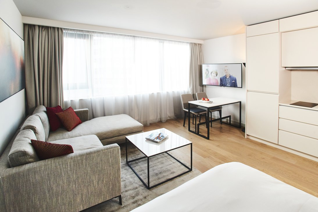 Manchester-Victoria-Accommodation-Serviced-Apartments-Manchester-For-Short-Lets-Relocation-Free-Wifi-+-Sky-Tv-+-Parking-Urban-Stay-17