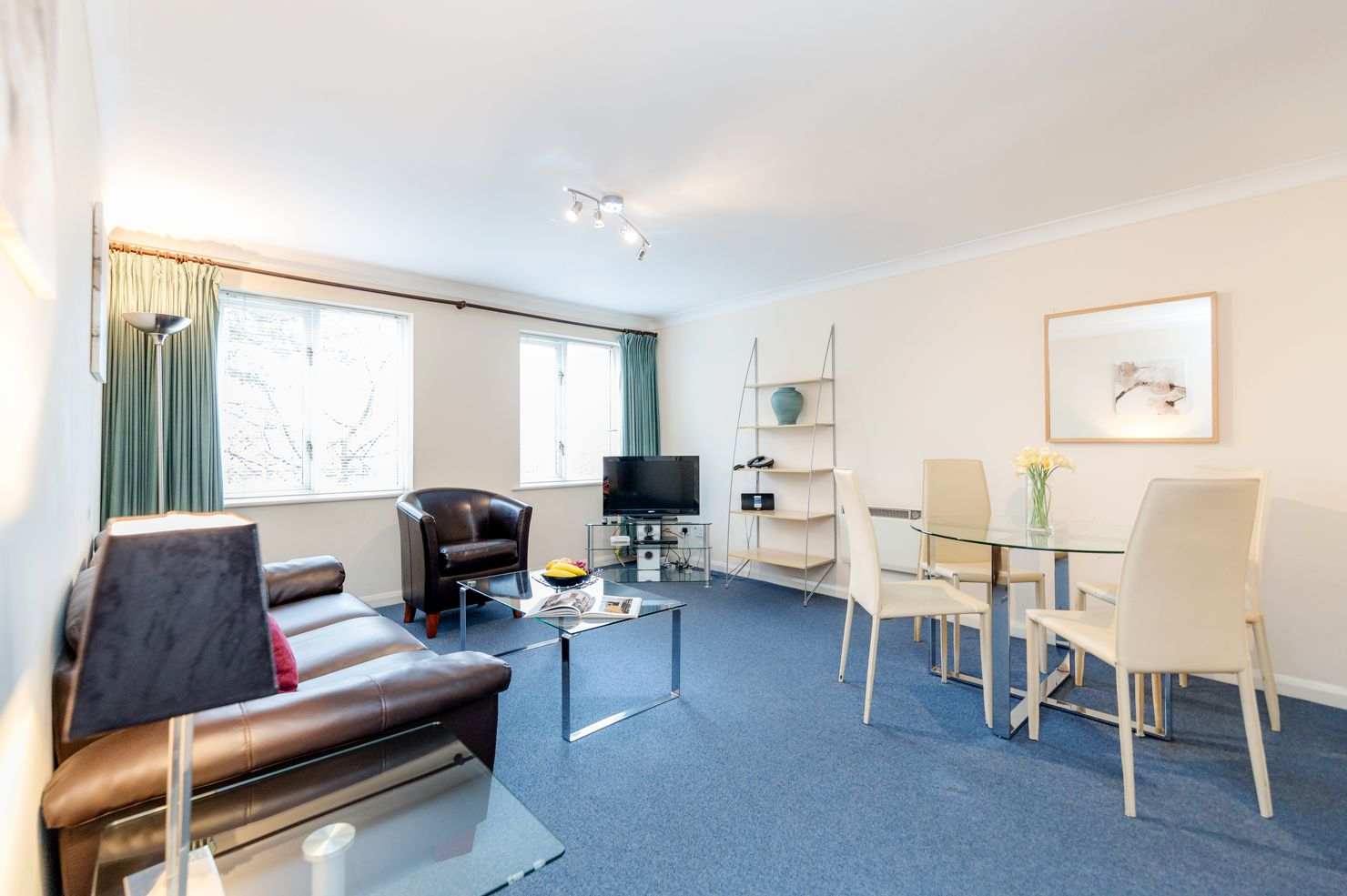 Looking-for-affordable-accommodation-in-Surrey?-why-not-book-our-lovely-Kingston-Corporate-Apartments-at-Regents-Court.-Call-today-for-great-rates.