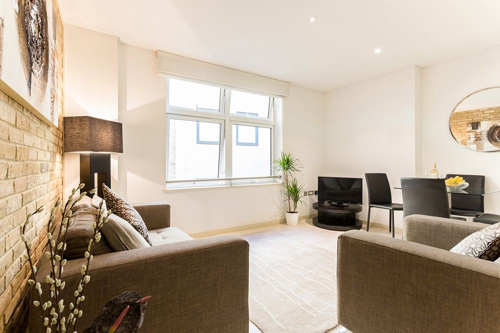 Farringdon-Serviced-Apartments-London-available-now!-Book-Serviced-Accommodation-near-Barbican,-Old-Street-&-Holborn-at-Low-Cost!-Call-today:-0208-691-3920