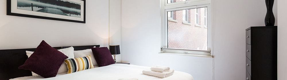 Farringdon Serviced Apartments London available now! Book Serviced Accommodation near Barbican, Old Street & Holborn at Low Cost! Call today: 0208 691 3920