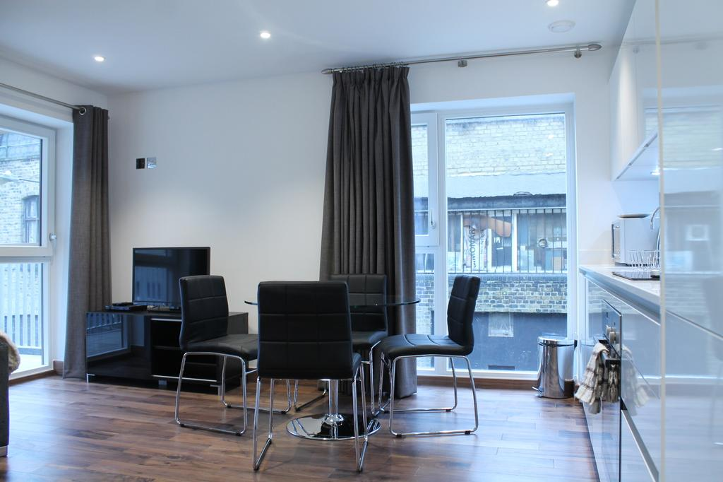 Looking-for-affordable-accommodation-in-Shoreditch?-why-not-book-our-lovely-Shoreditch-Corporate-Apartments.-Call-Urban-Stay-today-for-great-rates.