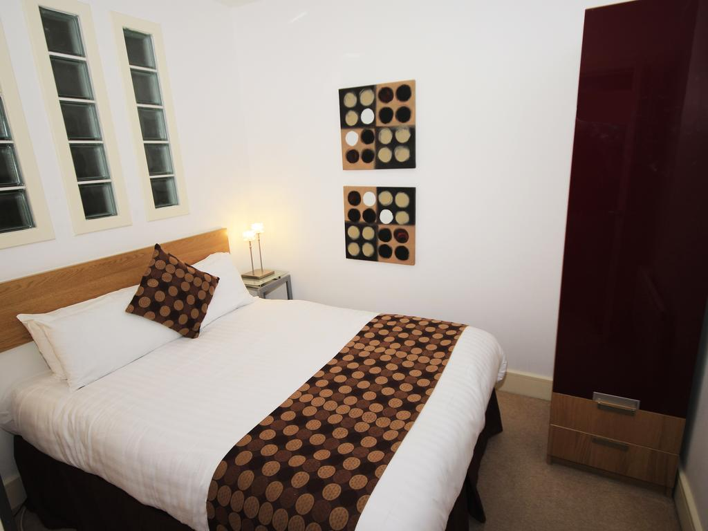 Serviced-Accommodation-Newcastle-Uk-Short-Let-Central-Apartments-Near-Newastle-United-Stadium-For-Short-Lets-&-Relocation-Urban-Stay-13
