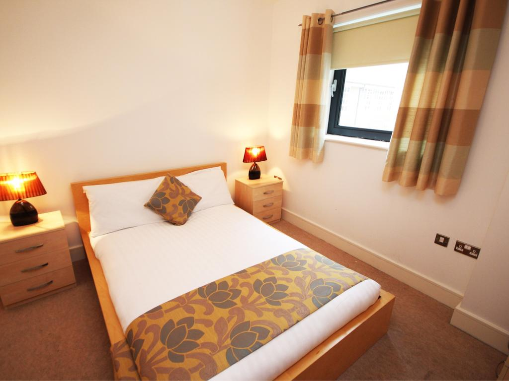 Serviced-Accommodation-Newcastle-Uk-Short-Let-Central-Apartments-Near-Newastle-United-Stadium-For-Short-Lets-&-Relocation-Urban-Stay-3
