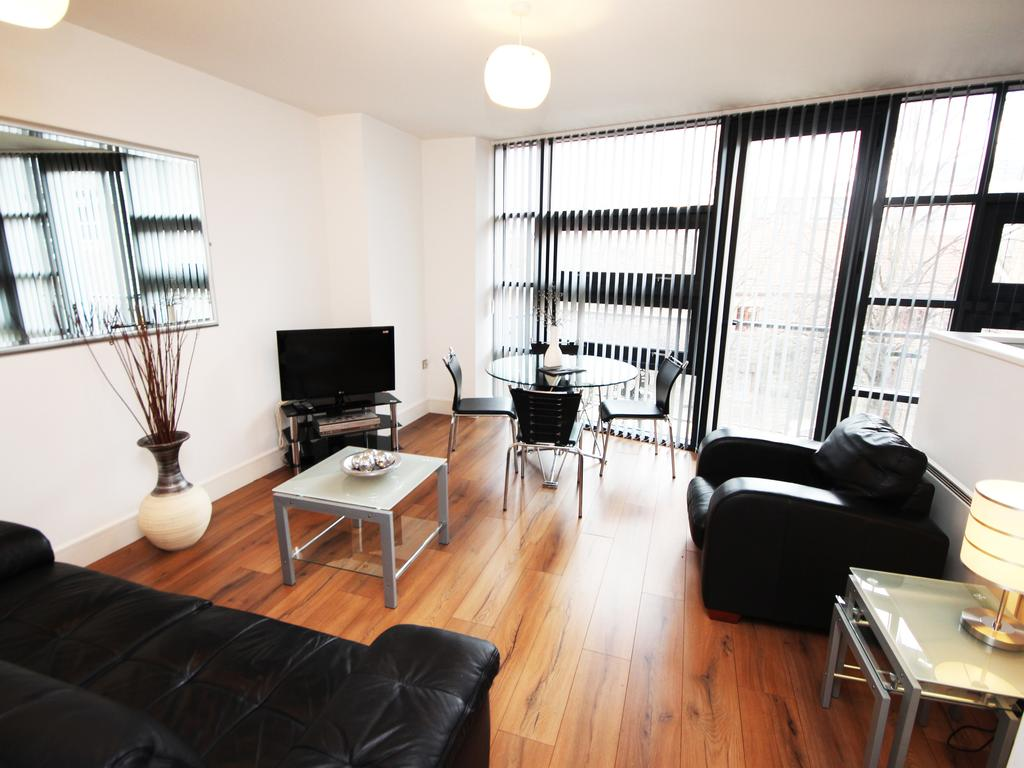 Serviced-Accommodation-Newcastle-Uk-Short-Let-Central-Apartments-Near-Newastle-United-Stadium-For-Short-Lets-&-Relocation-Urban-Stay-4
