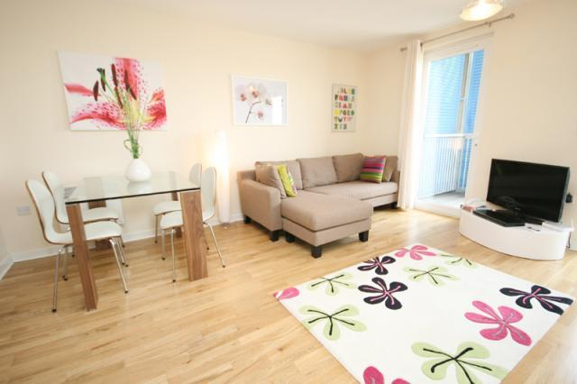 Looking-for-affordable-apartments-in-Cambridge,-why-not-book-our-lovely-Cambridge-Corporate-Apartments-at-Warren-Close.-Call-today-for-great-rates.