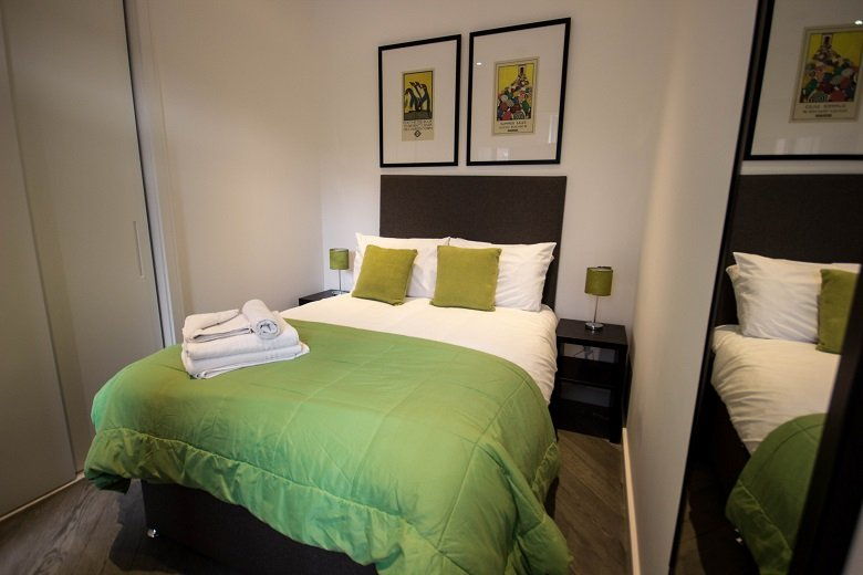 Looking-for-corporate-apartments-in-Slough?-why-not-book-our-lovely-Slough-Corporate-Apartments-at-Wellington-Street.-Call-today-for-great-rates.