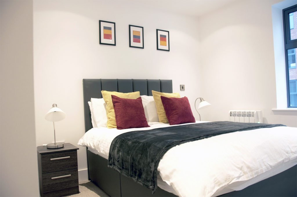 Book the Best Serviced Apartments Birmingham today! Our Short Let Accommodation in Birmingham's Jewellery Quarter - Free Wifi & All Bills Incl! 30% Cheaper! Urban Stay